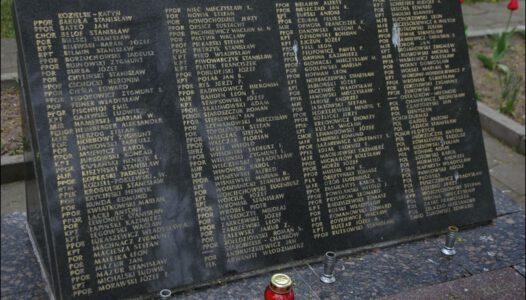 Grodno, cmentarz wojskowy. Pamięci ofiar Zbrodni Katyńskiej