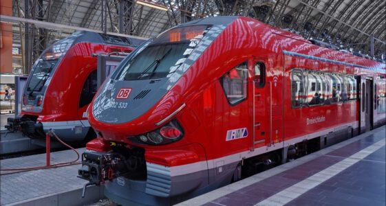 Germany, Frankfurt am Main, Hauptbahnhof, Pesa Link for DB Regio RMV