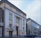 Warszawa, ul. Wybrzeże Kościuszkowskie 37, Akademia Sztuk Pięknych w 2010 i 2019 roku