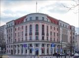 Warszawa, ul. Jaracza 2, Teatr Ateneum im. Stefana Jaracza w 2010 vs. 2019