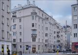 Warszawa, ul Dobra / ul. Jaracza 7 w 2010 i 2019