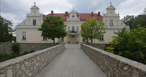 Kondratowice, pałac i cukrownia