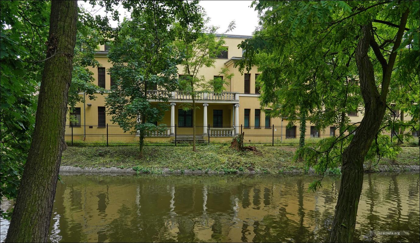Kalisz ul. Jasna 1, policja, dawna siedziba Powiatowego Urzędu Bezpieczeństwa Publicznego