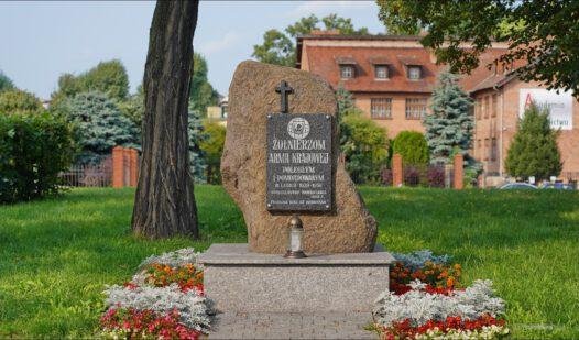 Inowrocław, Skwer Sybiraków, pomnik żołnierzom Armii Krajowej