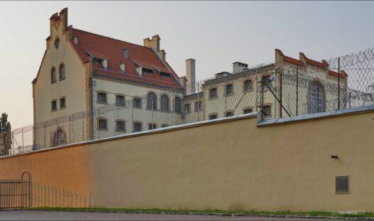 Inowrocław, Prezydenta Gabriela Narutowicza 46, więzeienie i areszt śledczy