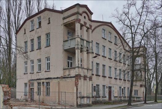 Dawna siedziba Powiatowego Urzędu Bezpieczeństwa Publicznego w Pabianicach przy ul. Gdańskiej 6.