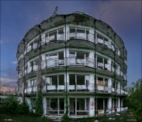 Okrąglaki, Miałkówek, opuszczony ośrodek wypoczynkowy Lucień po przejściu debili