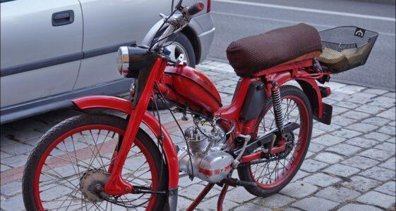 Motorower Komar z Oleśnicy