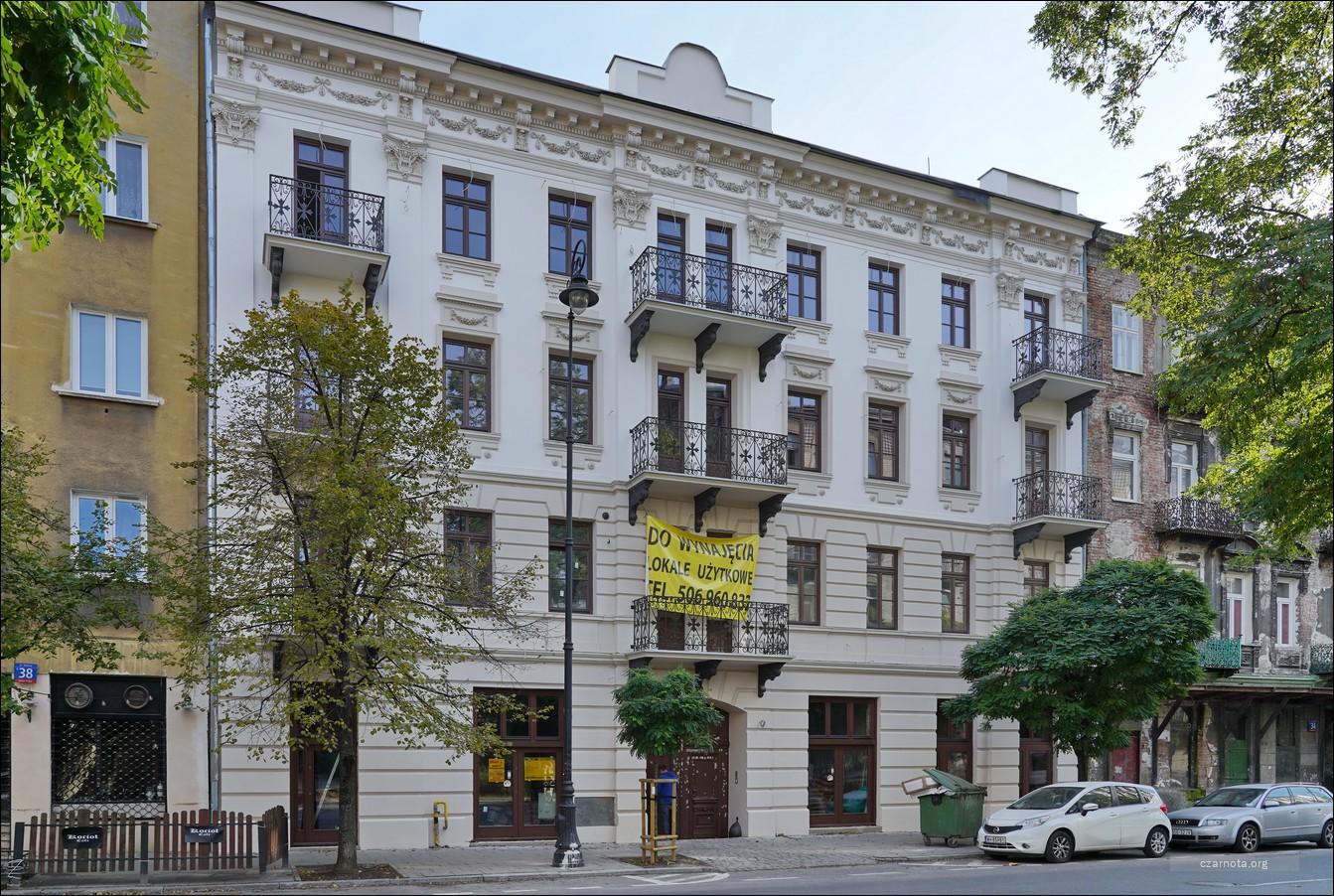 Warszawa, kamienica ul. Stalowa 36 w 2019 i 2020