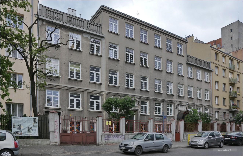Warszawa, ul. Skaryszewska 8, dawny niemiecki obóz przejściowy dla osób aresztowanych w łapankach