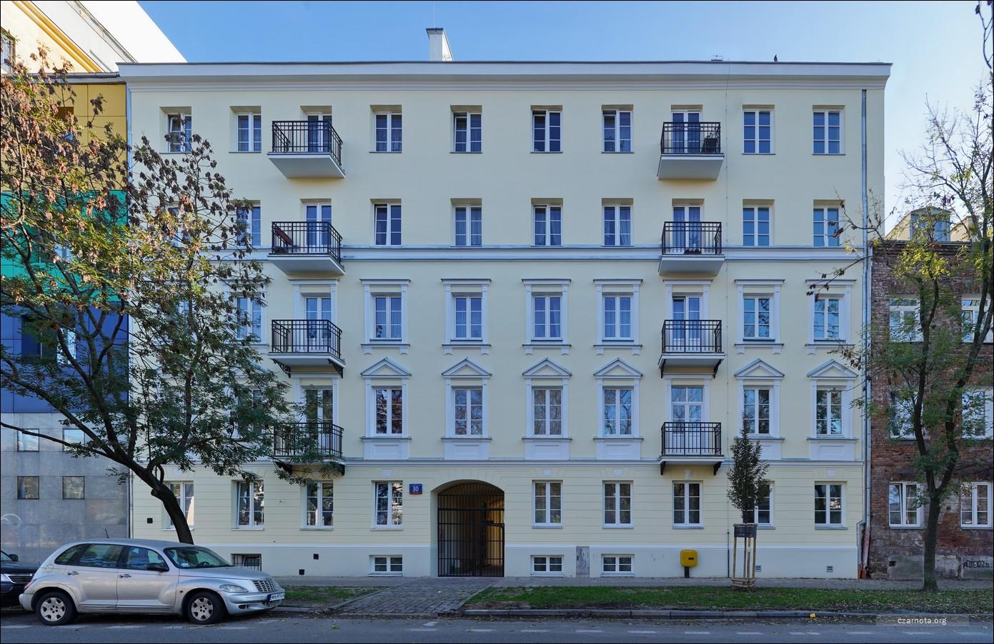 Warszawa kamienica ul. Ignacego Kłopotowskiego 30 w 2019 i 2020