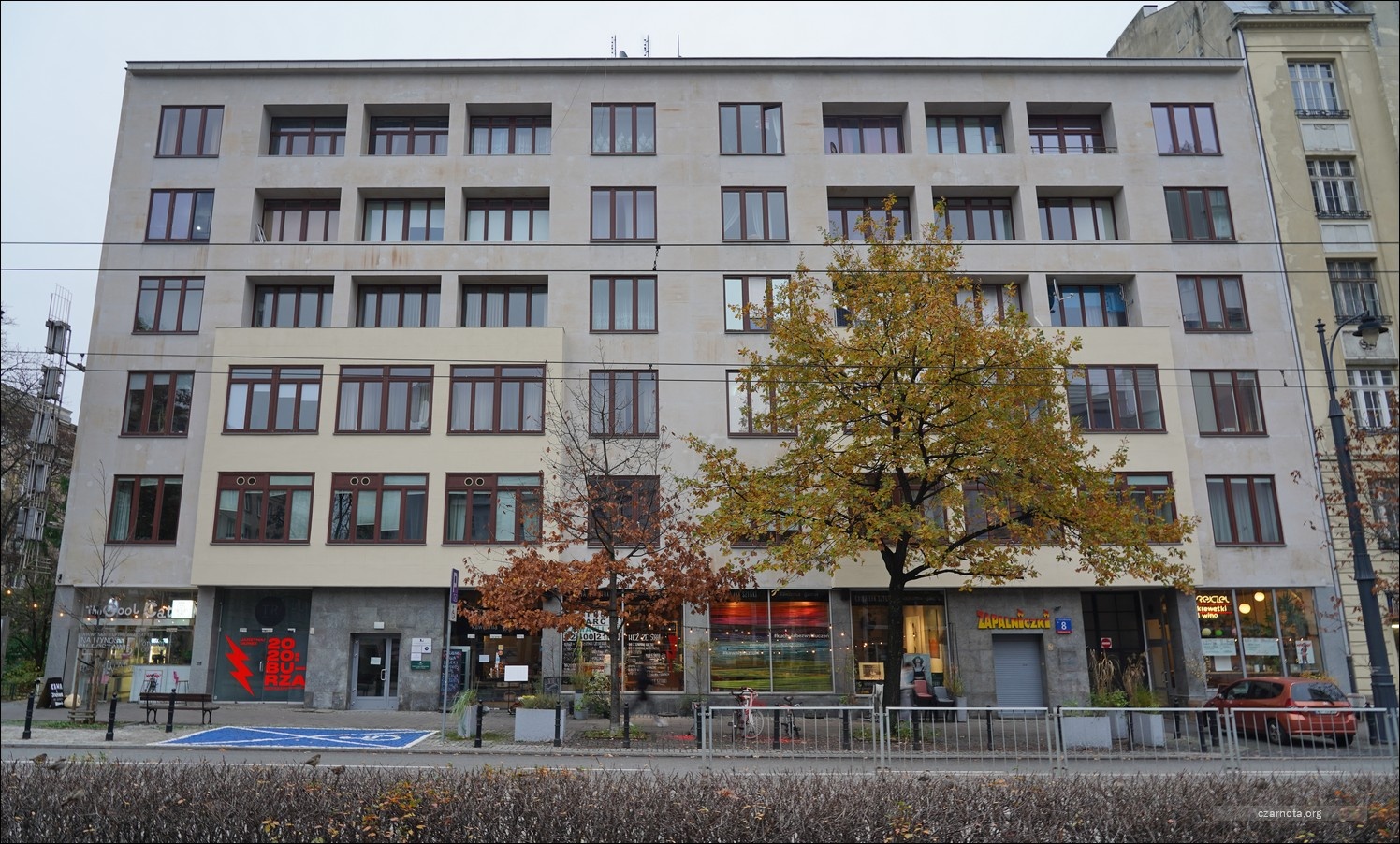 Warszawa, ul. Marszałkowska 8, kamienica Heleny Pal, w 2009 i 2020 roku