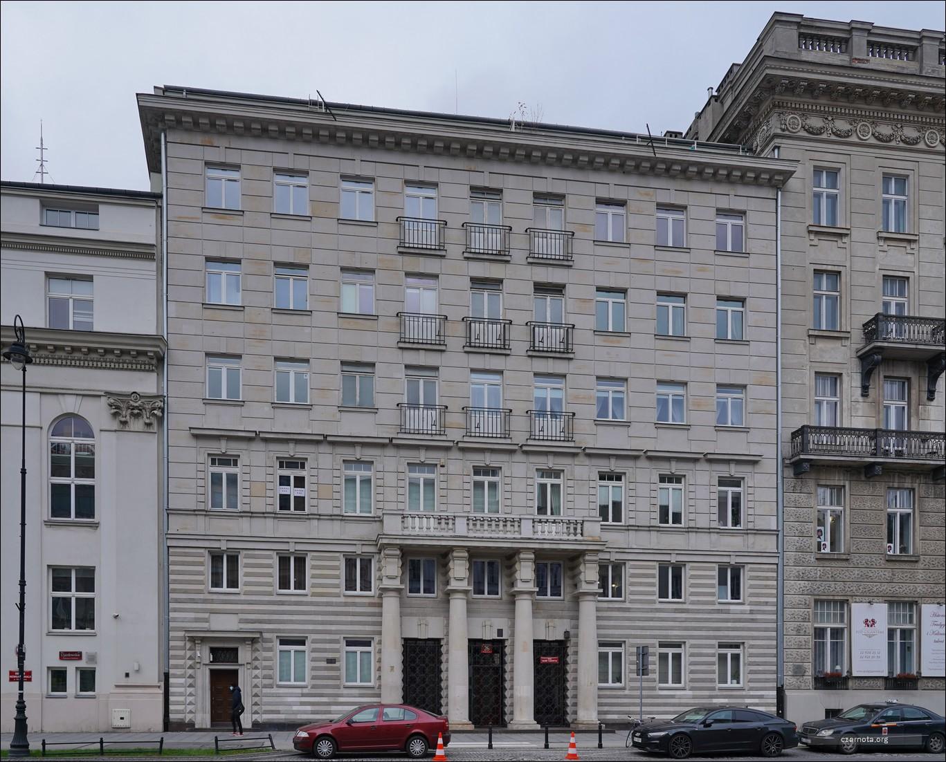 Warszawa, Aleje Ujazdowskie 26 w 2008 i 2020 roku
